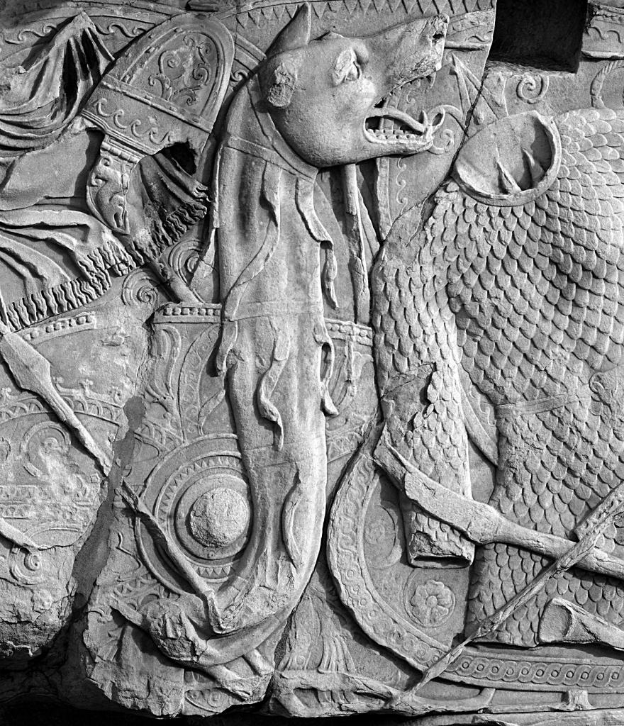Dacian_Draco_on_Trajan's_Column_Romania_Dacians_dacian wolf dragon